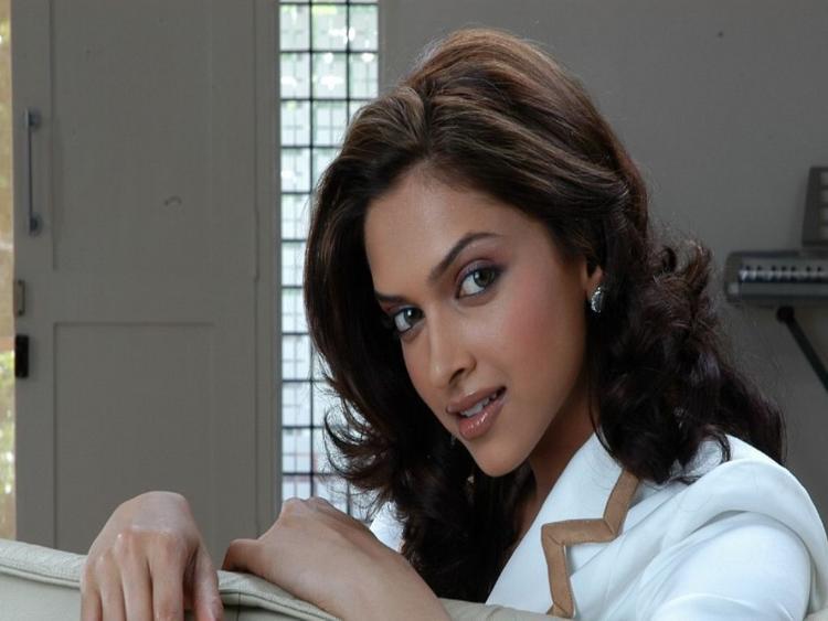 Deepika Padukone Nice Face Still