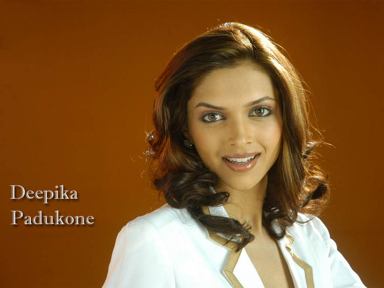 Deepika Padukone Sexy Face Look Wallpaper