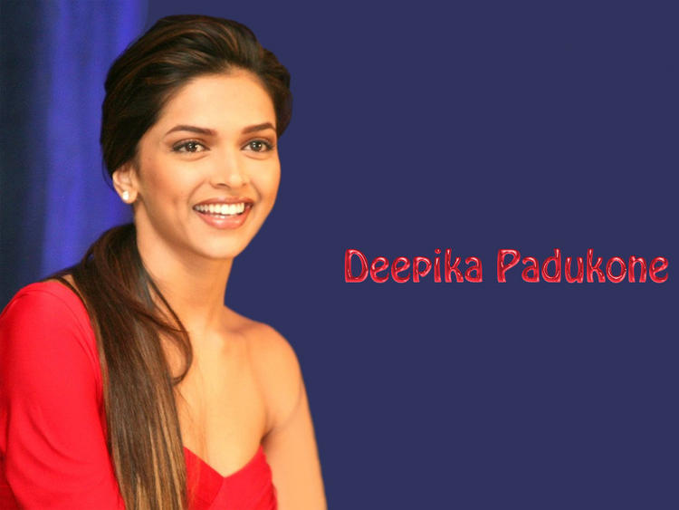 Deepika Padukone Smling Face Wallpaper