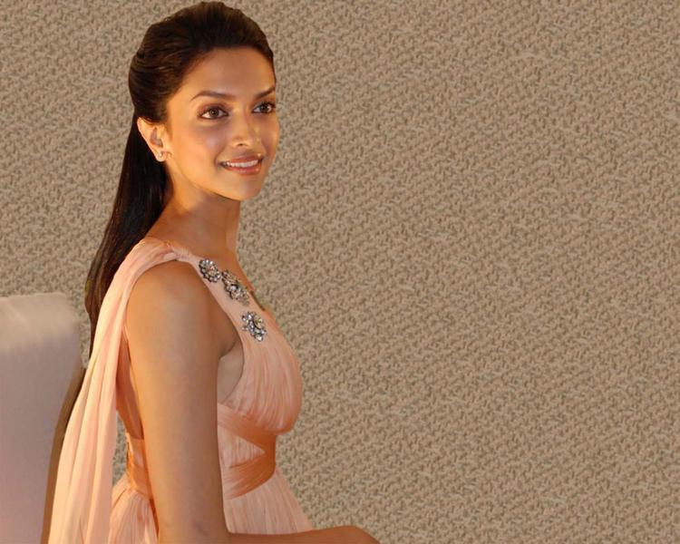 Dusky Babe Deepika Padukone Wallpaper