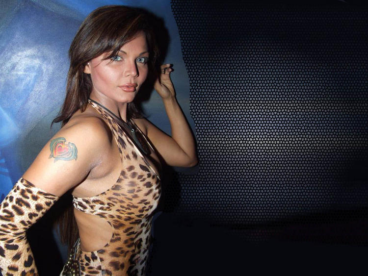 Rakhi Sawant Cheetah Print Dress Wallpaper