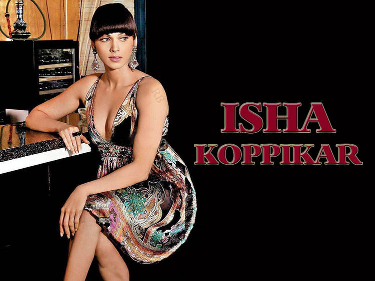 Isha Koppikar Latest Hair Style Wallpaper