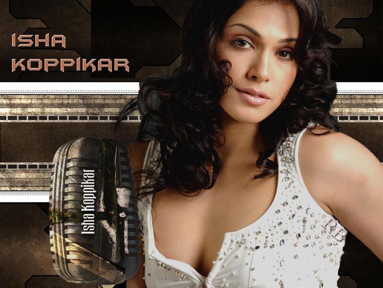 Isha Koppikar Sexy Cleavages Show Wallpaper