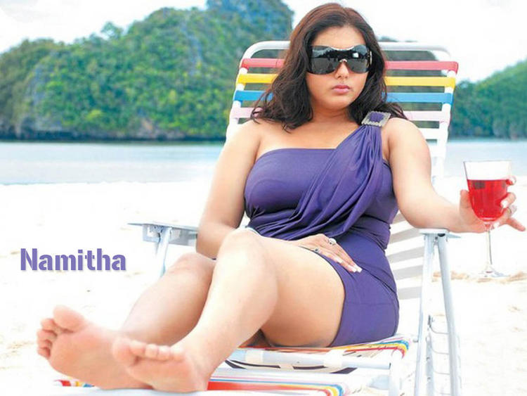 Namitha Short Dress Stylist Wallpaper
