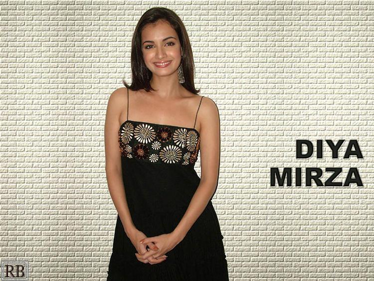 Diya Mirza Glamour Wallpaper