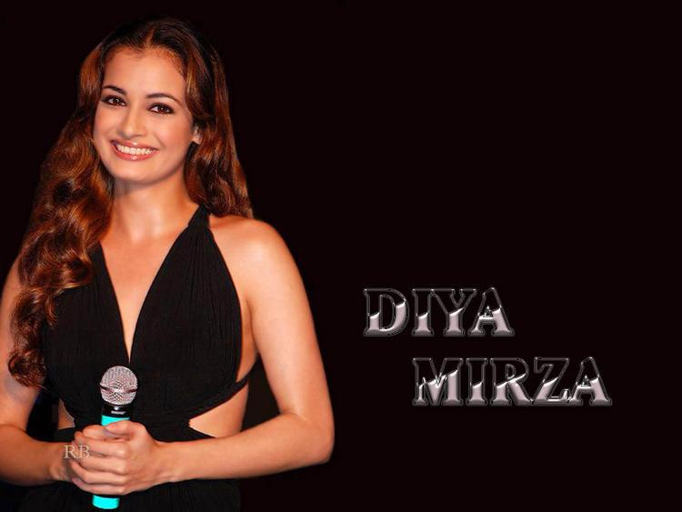 Diya Mirza Gorgeous Smile Pic