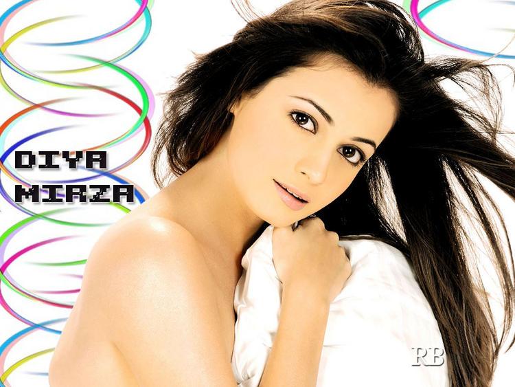 Diya Mirza Hot Scene Sexy Wallpaper