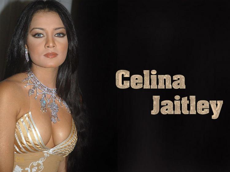 Celina Jaitley Open Boob Show Wallpaper