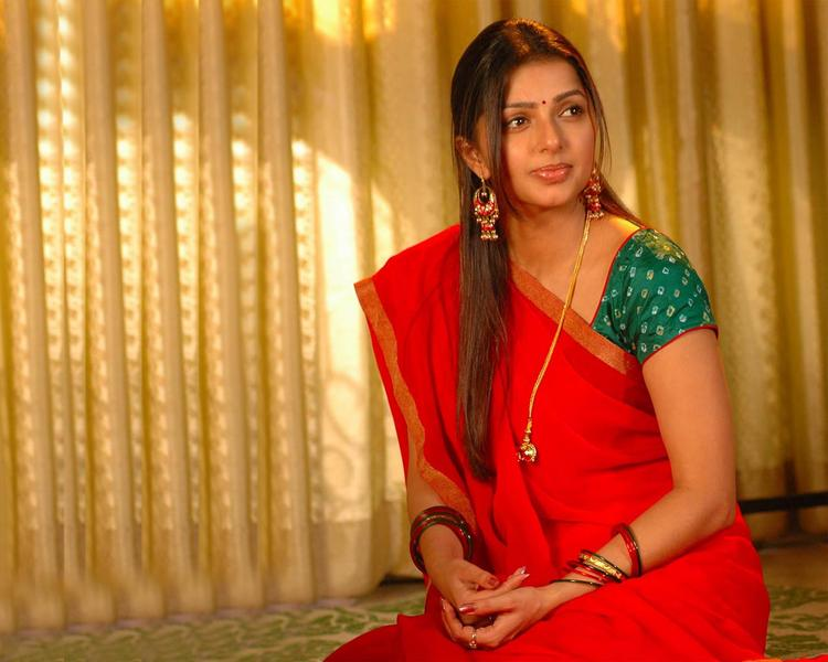 Bhumika Chawla Red Saree Beauty Still