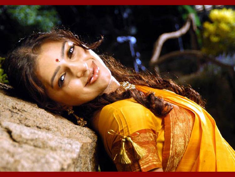 Bhumika Chawla Sweet Gorgeous Pic