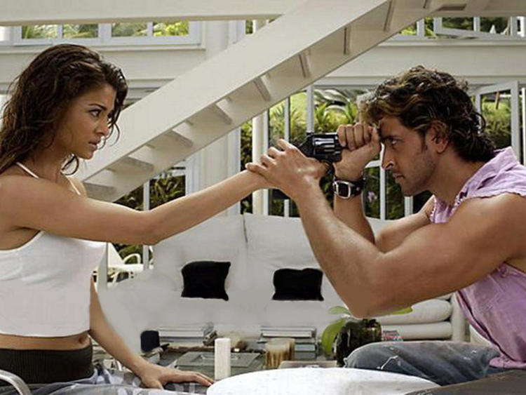 Aishwarya Rai and Hrithik Roshan Hot Still