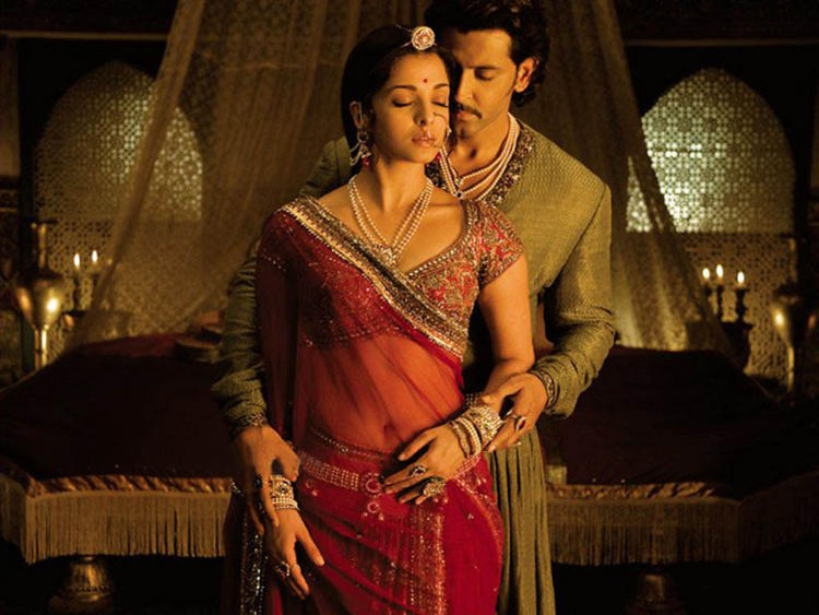 Aishwarya Rai and Hrithik Roshan Romance Still In Jodhaa Akbar