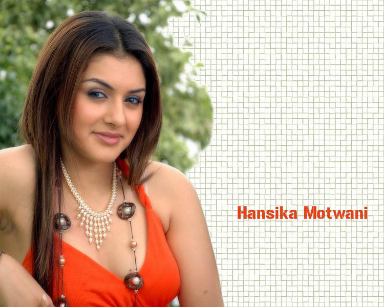 Bubbly Beauty Hansika Motwani Wallpaper