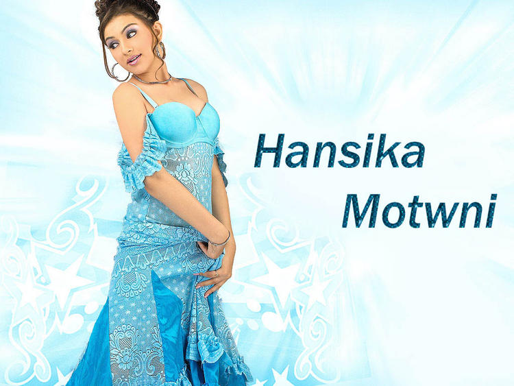 Hansika Motwani Beautiful Dress Sexy Wallpaper