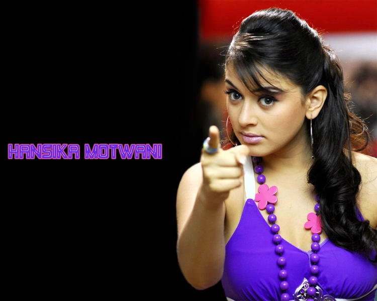 Hansika Motwani Cute Acting Still Wallpaper