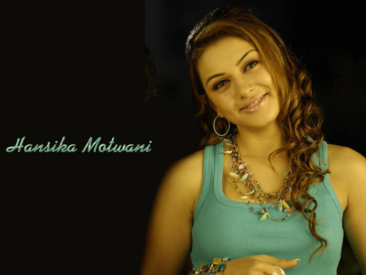 Hansika Motwani Cute Face Look Wallpaper