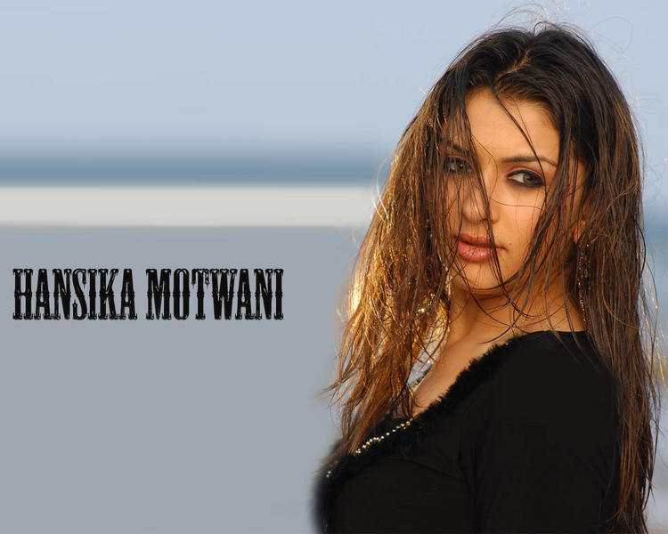 Sizzling Beauty Hansika Motwani Wallpaper
