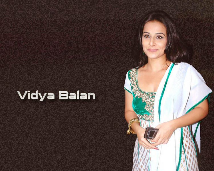 Vidya Balan Cute Close Up Gorgeous Wallpaper