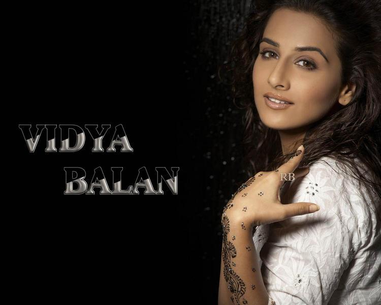 Vidya Balan Sexy Look Wallpaper