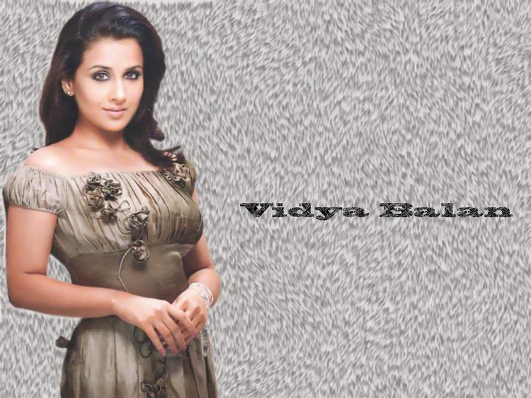 Vidya Balan Sizzling Wallpaper