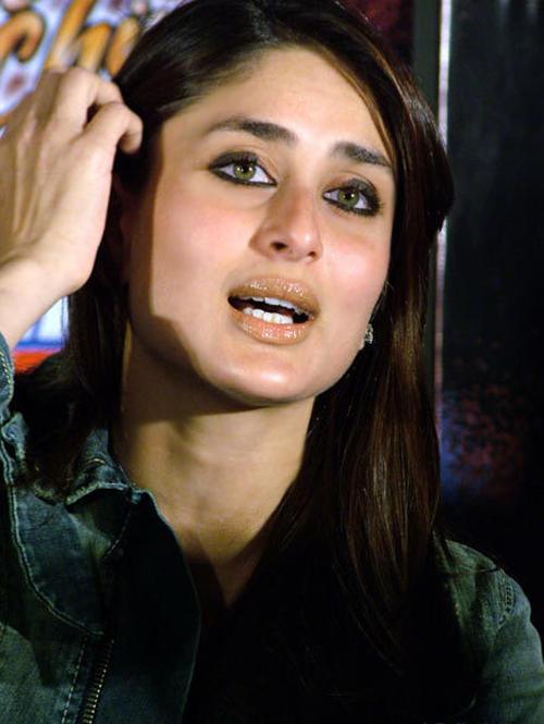 Kareena Kapoor Cute Lips Glamour Still