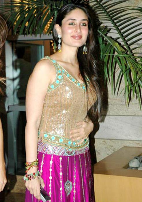 Kareena Kapoor Gorgeous Face Party Still