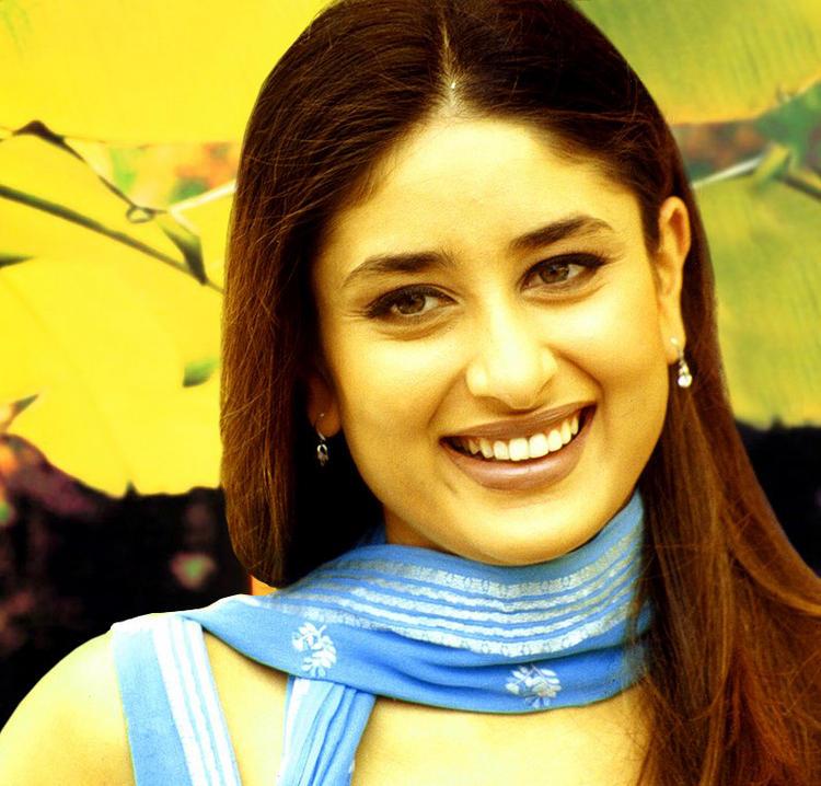 Kareena Kapoor Gorgeous Smile Pic
