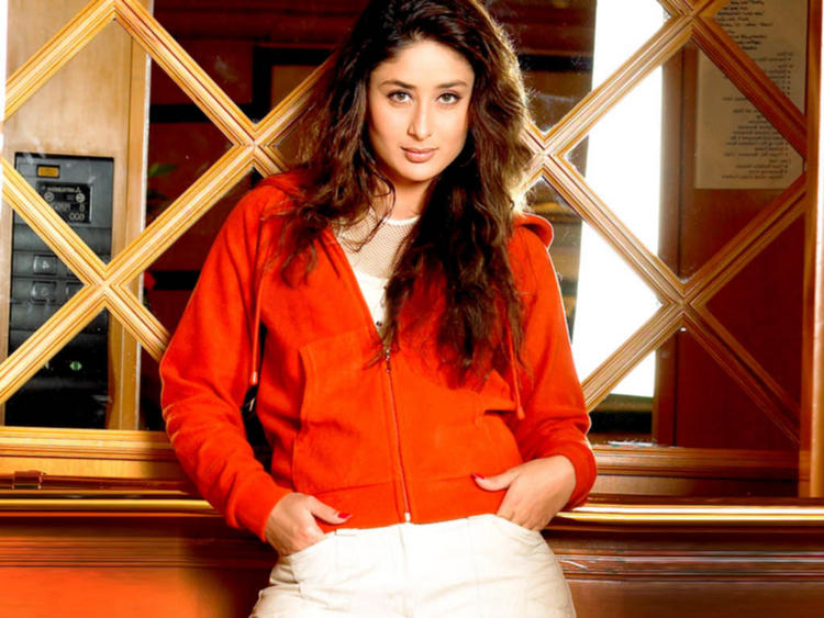 Kareena Kapoor Red Shirt Sexy Look