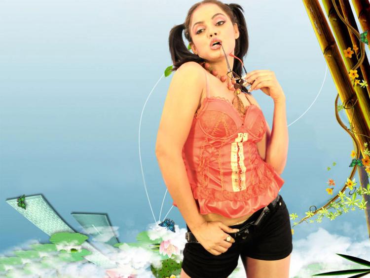 Neetu Chandra Cute Mini Dress Wallpaper