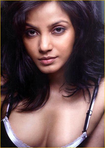 Neetu Chandra Open Boob Show Wallpaper