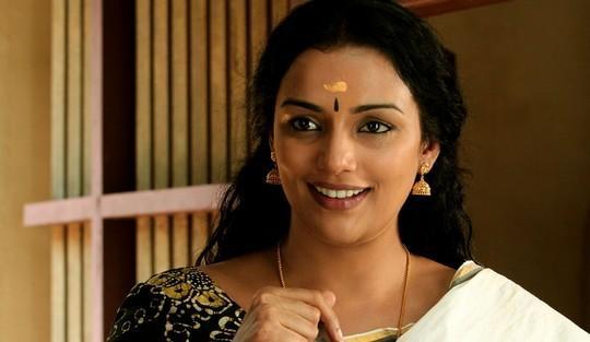 Rathinirvedam Swetha Menon Hot images