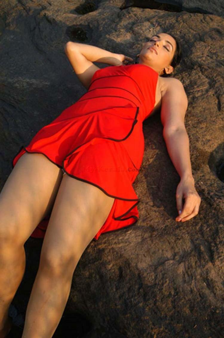 Swetha Menon Latest Hot and Spicy Still