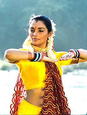 Swetha Menon Sexy Dance Still
