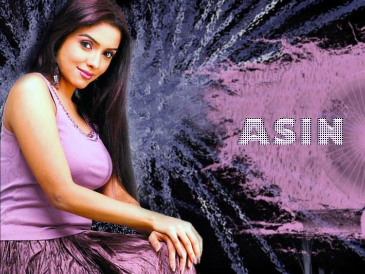 Asin Thottumkal Beauty Glorious Face Wallpaper