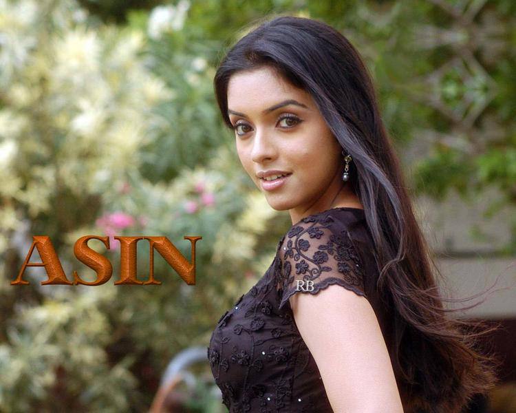 Asin Thottumkal Sizzling and Stunning Pic