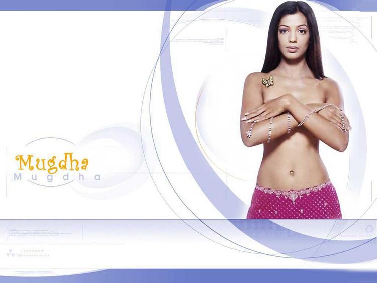 Mugdha Godse Topless dress Hot Pic