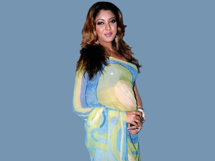 Glamourous Tanushree Dutta Photo