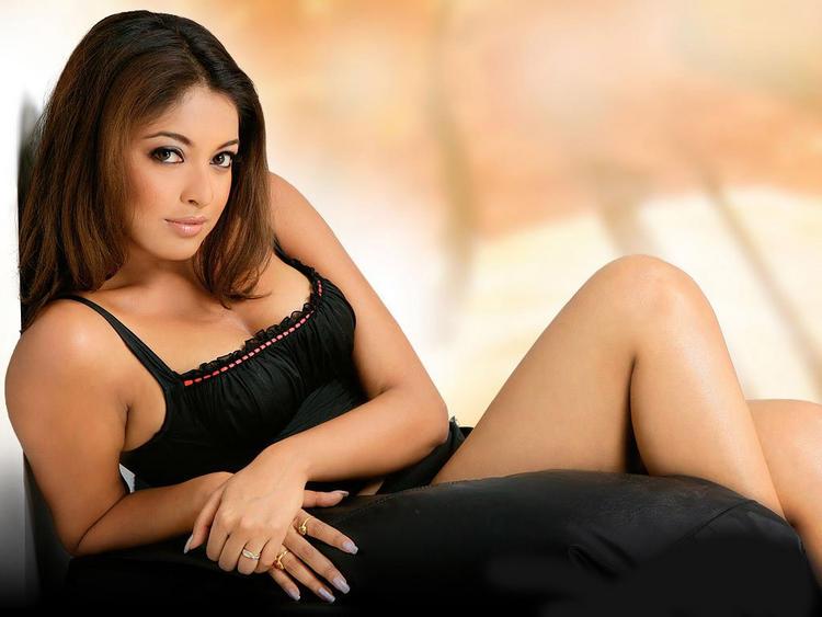 Tanushree Dutta Boob Show Spicy Look Photo Shoot