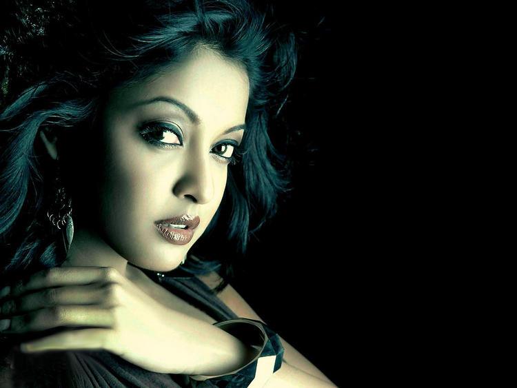 Tanushree Dutta Sexy Awesome Face Still