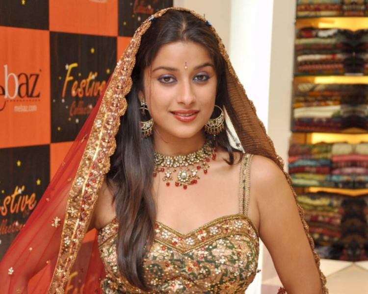 Madhurima Banerjee Looking So Beautiful