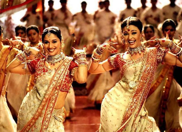 Aishwarya and Madhuri Dola Re Dance Photo