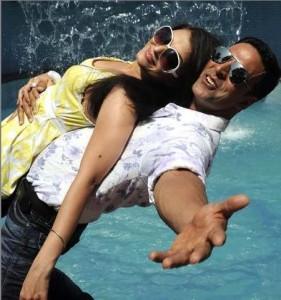 Akshay Kumar and Aish Romance Still