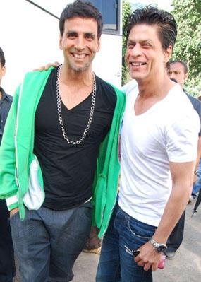 Shahrukh and Akshay Open Smile Pic