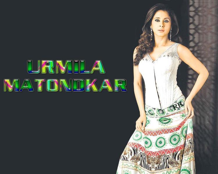 Urmila Matondkar Hot and Sexy Look Wallpaper