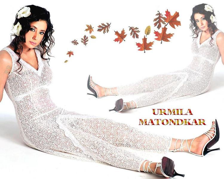Urmila Matondkar Hot Dress Wallpaper