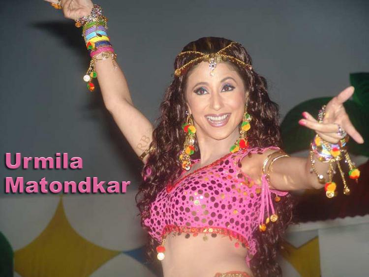Urmila Matondkar Latest Hot Dance Wallpaper