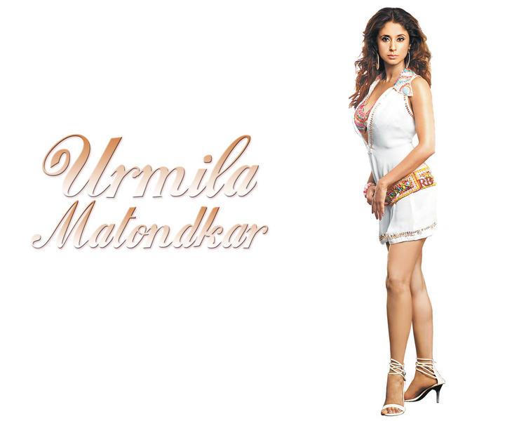 Urmila Matondkar Mini Dress Hot Wallpaper