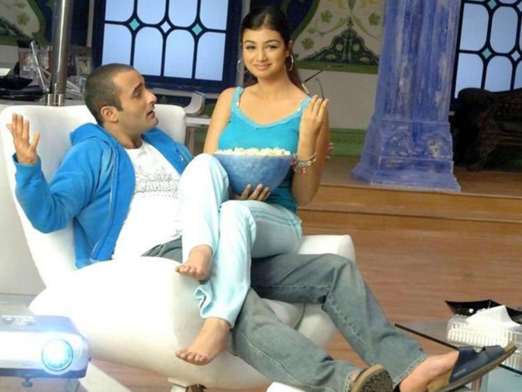 Akshay Khanna and Ayesha Takia Cute and Sexy Still