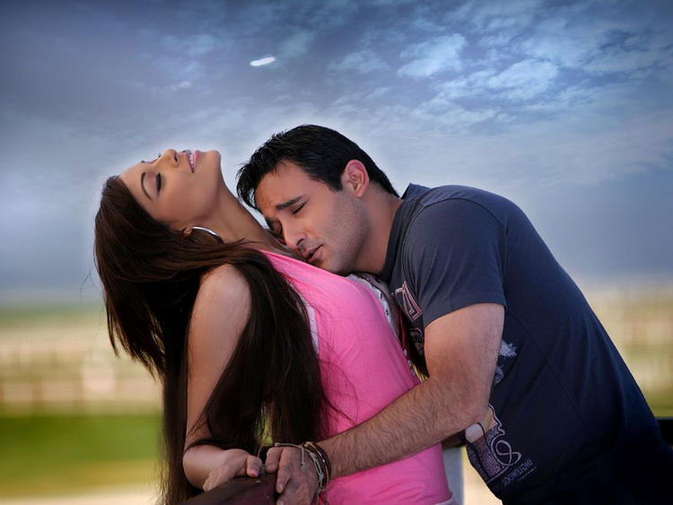 Akshay Khanna and Bipasha Basu Hot Scene Pic