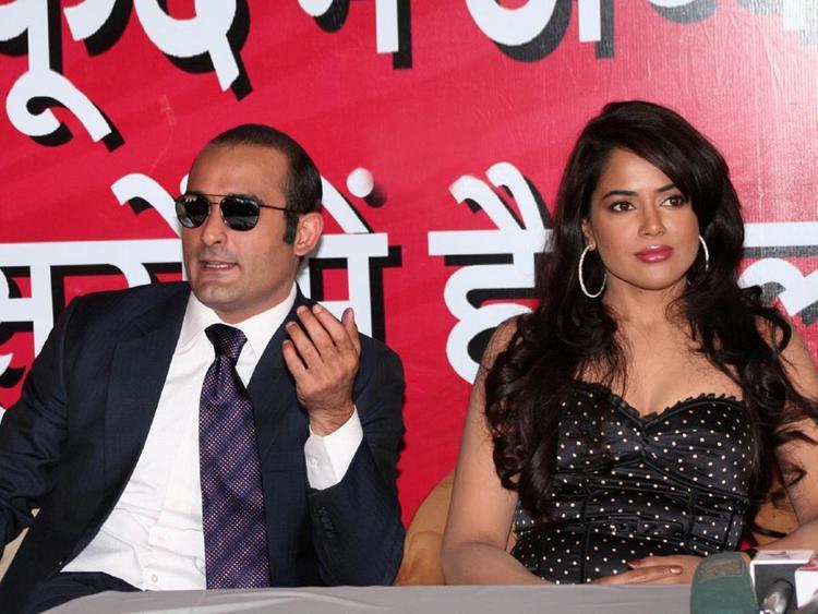 Sameera Reddy with Akshaye Khanna